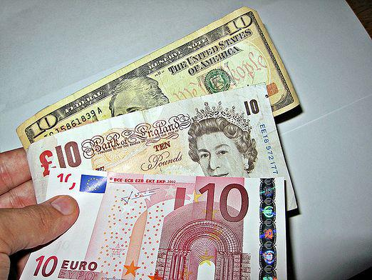 How to make money on currency?